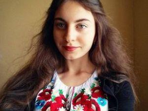 """Наталка Нічишина – молода поетка з Кропивницького - у свої сімнадцять років створила першу збірку поезій """"Порятунок"""""""