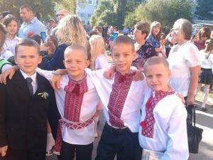 Школьники 2014: мода на вышиванки.