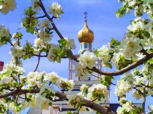 Які свята відзначають православні у травні?