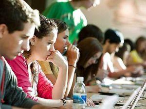 Чи зараховується стаж студентам?