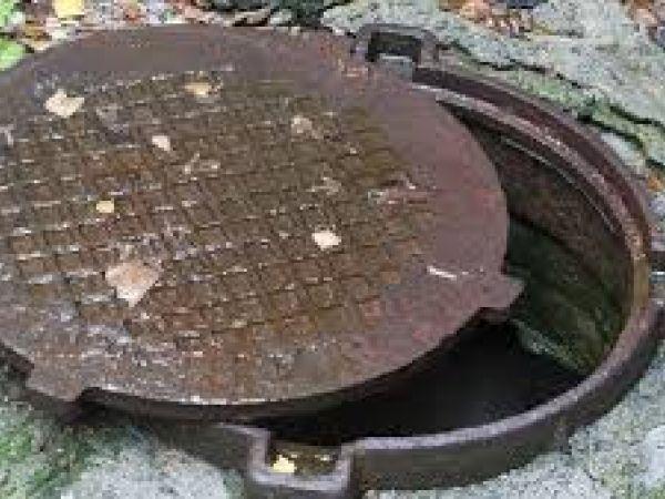 Небезпека відкритих каналізаційних люків