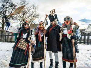 """""""Жиди"""", """"цигани"""", """"смерть"""" Або як українці святкують Старий Новий рік?"""