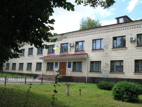 Кіровоградщина: У Новгородці депутати райради не пустили на сесію представників громади