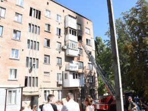 У Кропивницькому згоріла квартира у багатоповерхівці (ФОТО)