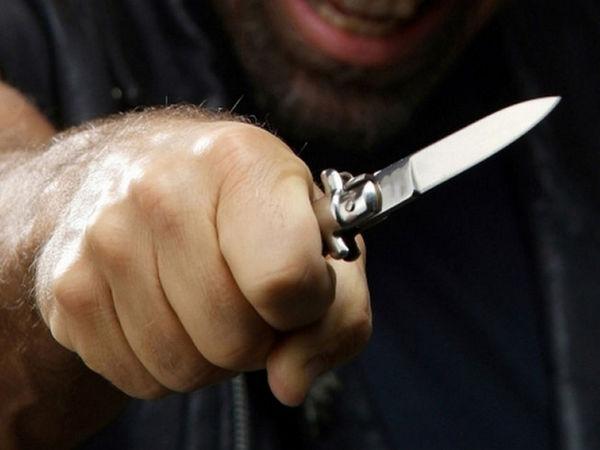 Сьогодні у Кропивницькому на поліцейських напали з ножем