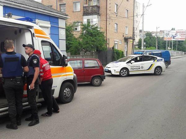 В центрі Кропивницького іномарка збила велосипедиста та втекла з місця ДТП (ФОТО)