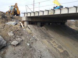 Кіровоградщина: Триває ремонт мосту у Новгородці