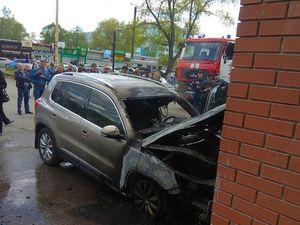 Патрульна поліція інформує щодо автівки, яка загорілася біля Дендропарку (ФОТО)