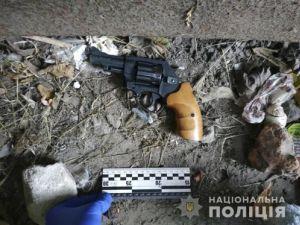 На селищі Гірничому затримали молодика, який обкрадав авто