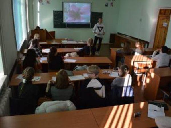 У Кропивницькому вихованці гуртка «Журналістика» відвідали кафедру видавничої справи