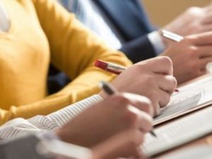 Українські міністри здають екзамени на рівень володіння державною мовою