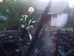На Олександрійщині у приватному секторі загорівся сінник і сарай