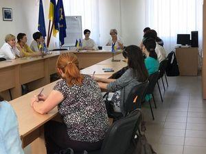 У Кропивницькому представники Ощадбанку запрошували безробітних на роботу