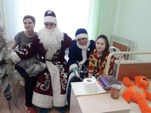 Клієнти ПриватБанку влаштували свято і привiтали маленьких пацiєнтiв лікарень
