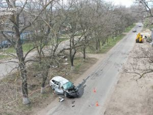 На Кіровоградщині у ДТП загинула 19-річна дівчина