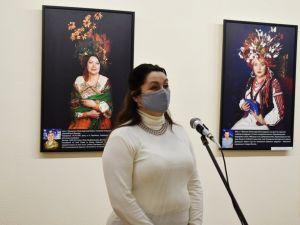 У Кропивницькому представили фотовиставку «Сильні духом. Мами»