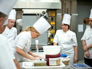 У Кропивницькому безробітні можуть безкоштовно навчитися кухарській справі