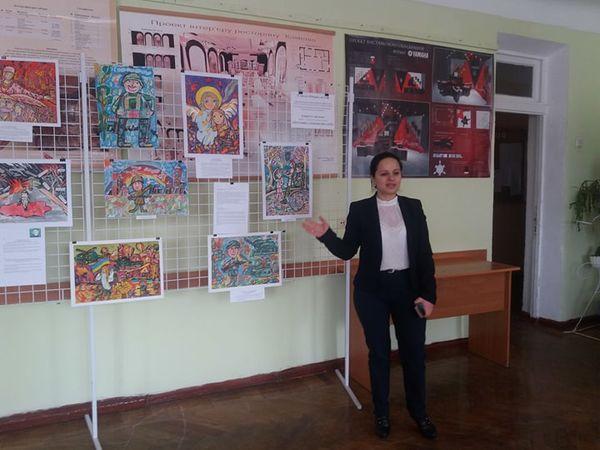 Виставка дитячих малюнків на військову тематику відкрилася у Кропивницькому (ФОТО)