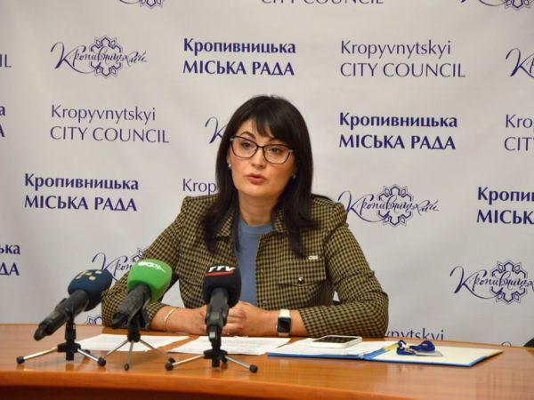 Про що йшла мова на бріфінгу начальниці управління охорони здоров'я Оксани Макарук (ВІДЕО)
