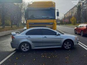 На Ковалівці вантажівка протаранила іномарку (ФОТО)