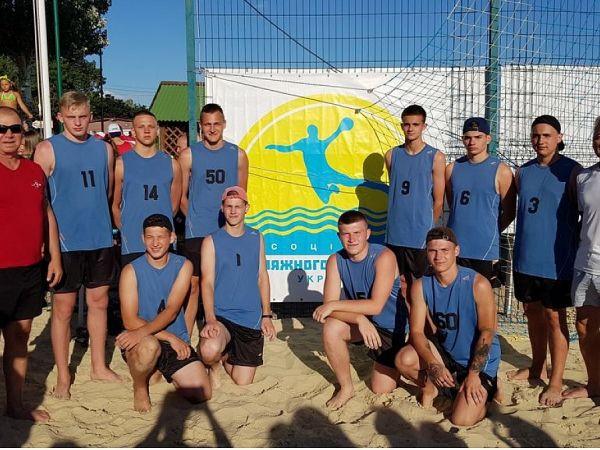 Кропивницькі гандболісти потрапили до півфіналу на чемпіонаті України
