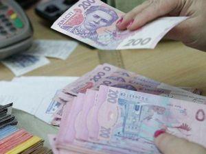 Уряд стверджує, що за рік середня зарплата в Україні зросла на 22,3%