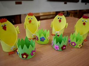 У Кропивницькому школярі виготовляють кошики для писанок (ФОТО)