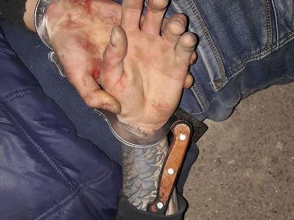 Кропивницькі поліцейські врятували молодика, який стікав кров'ю