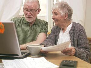Пенсіонери можуть безкоштовно оплачувати комунальні платежі в Приват24