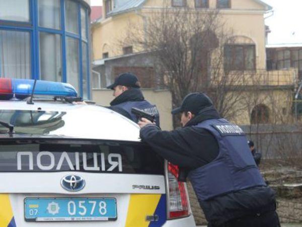 «Дорогу перекрито, на місці працює поліція». У Кропивницькому, на Балашівці, чули стрілянину та вибухи