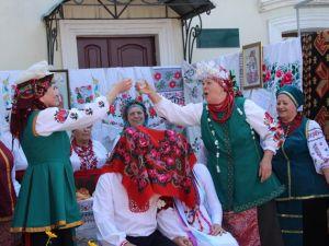 Многая літа: У Кропивницькому відкрилася виставка весільних фото (ФОТОРЕПОРТАЖ)