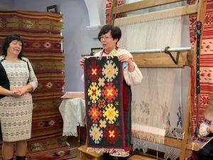 Кропивничани долучилися до ткацтва килима - презентували колекцію орнаментальних виробів (ФОТО. ВІДЕО)