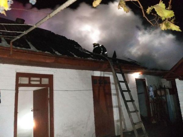 У Знам'янці Другій зайнявся дах приватного будинку