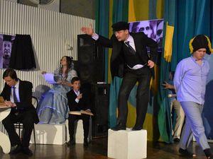 У Кропивницькому пройшла вистава Музичного театру полегшеного абсурду