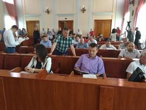 Депутати міської ради розпочинають роботу (ВІДЕО)