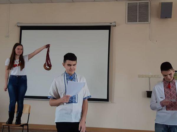 Кропивницький: Українські пісні, танці, варенички Або як студенти святкують Андріївські вечорниці