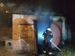 Кіровоградська область: вогнеборцями приборкано 2 пожежі у житловому секторі, одну з них – спільно з місцевою пожежною командою