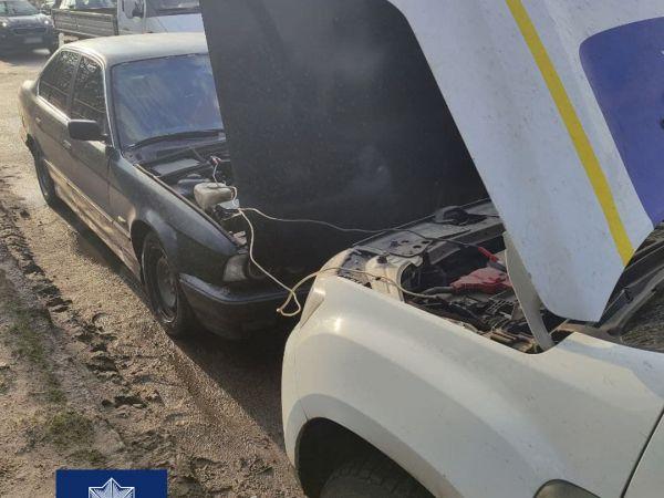 У Кропивницькому копи прийшли на допомогу водію, авто якого заглохло посеред дороги