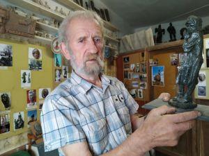 У Кропивницькому представлять виставку до ювілею скульптора Віктора Френчка