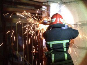 Рятувальники Кропивницького допомогли двом песикам, які опинились у небезпеці (ФОТО)