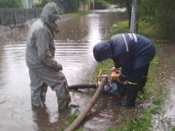 На Кіровоградщині після сильних дощів затопило приватні будинки