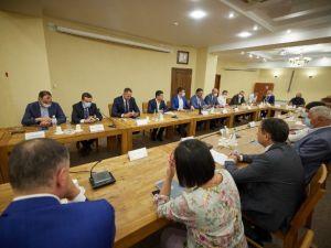 Зеленський зустрівся із підприємцями Кіровоградщини