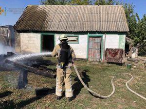 Кіровоградщина: У селі Перчунове зайнявся сарай з дровами