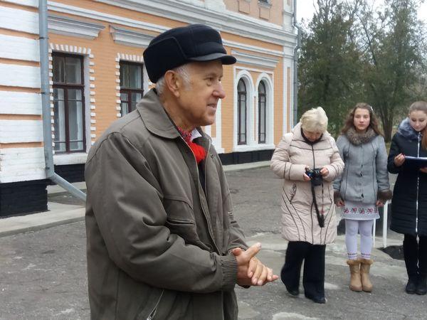 У Кропивницькому відкривається виставка художника-аматора Віктора Луганщука