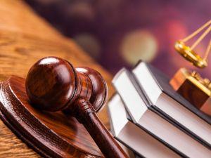 Прокуратура звинувачує капітана поліції у розповсюдженні службової інформації