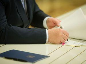 Двох кропивницьких журналістів визнали видатними діячами та призначили державні стипендії