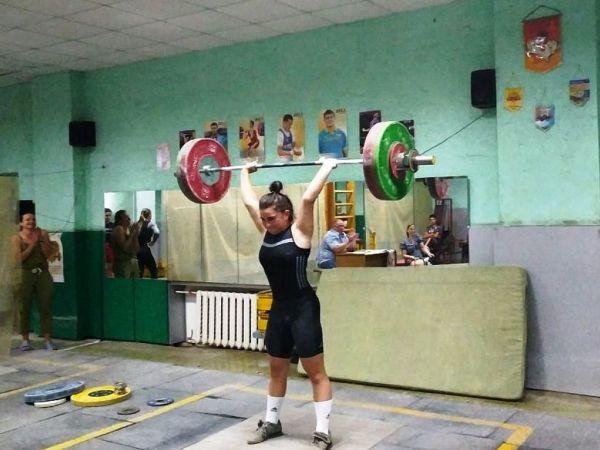 У Кропивницькому визначилися найсильніші важкоатлетки міста
