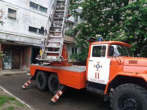 Рятувальники не лише гасять пожежі, а і відчиняють заблоковані двері
