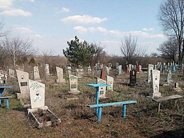 Андрій Райкович обурений безладом на кладовищах (ВІДЕО)