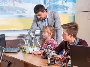 Комп'ютер не буде просто іграшкою! Мала Комп'ютерна Академія ШАГ для дітей 9-14 років!